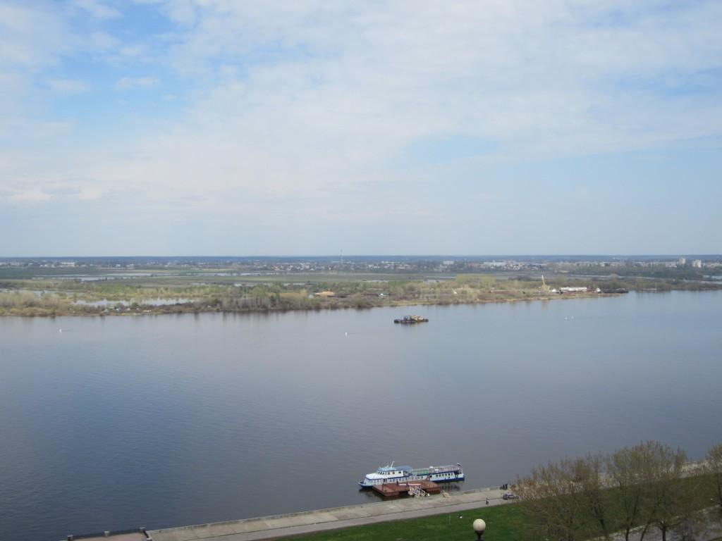Una panorámica a pleno día en Nizhni Novgorod